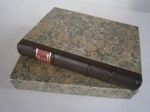 Franzband mit Schuber, bezogen mit Marmorpapier von Dirk Lange